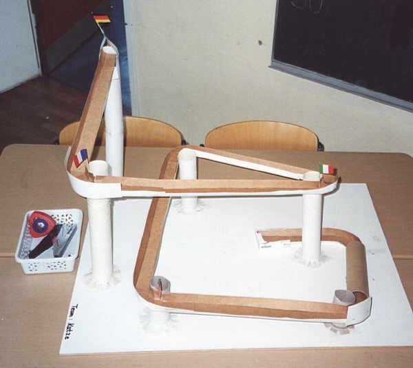 kugelbahn selber bauen. Black Bedroom Furniture Sets. Home Design Ideas